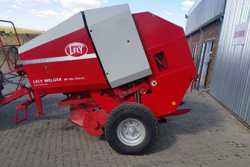 Lely Hay and Forage Balers LELY WELGER RP202 CLASSIC 2011
