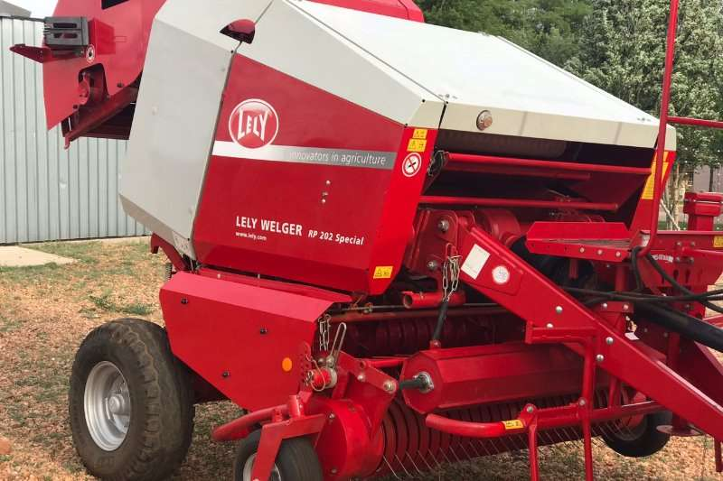 Lely Hay and Forage Balers LELY WELGER RP202 SPECIAL 2014