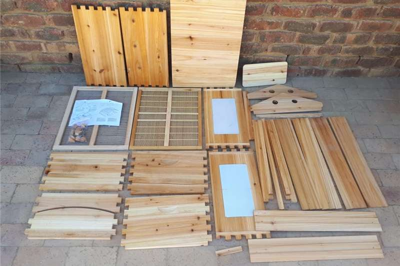 Livestock crushes and equipment Beehive flow frames   R4500 each Livestock handling equipment