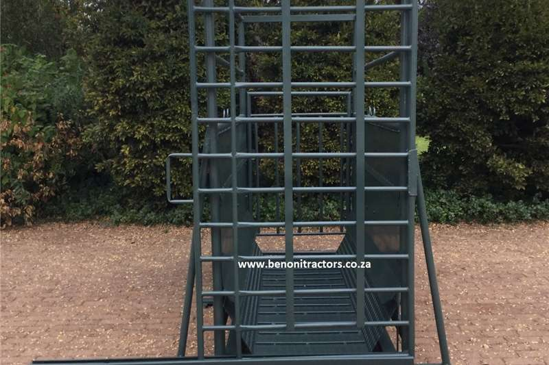 Livestock Handling Equipment Livestock Crushes and Equipment Bees Skaal /Cattle Scale