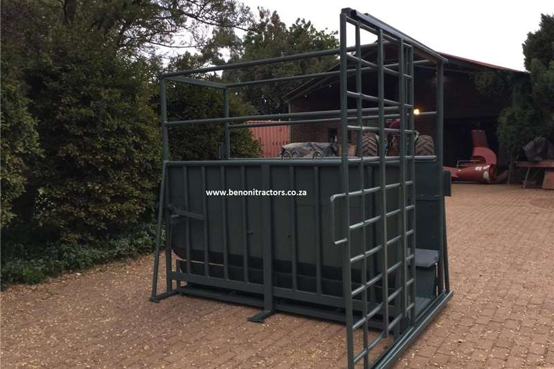 Livestock crushes and equipment Bees Skaal /Cattle Scale Livestock handling equipment