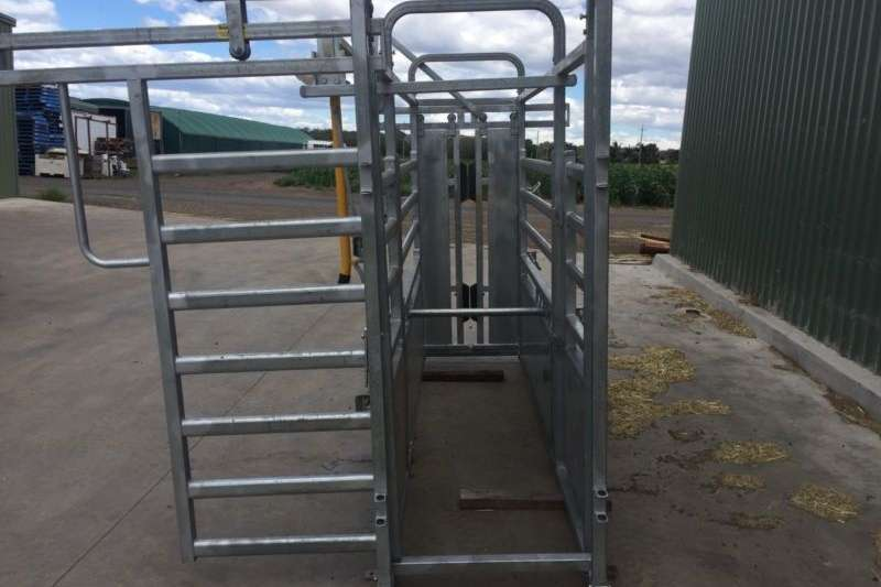 Livestock crushes and equipment Cattle crushes complete with scales for sell Livestock handling equipment
