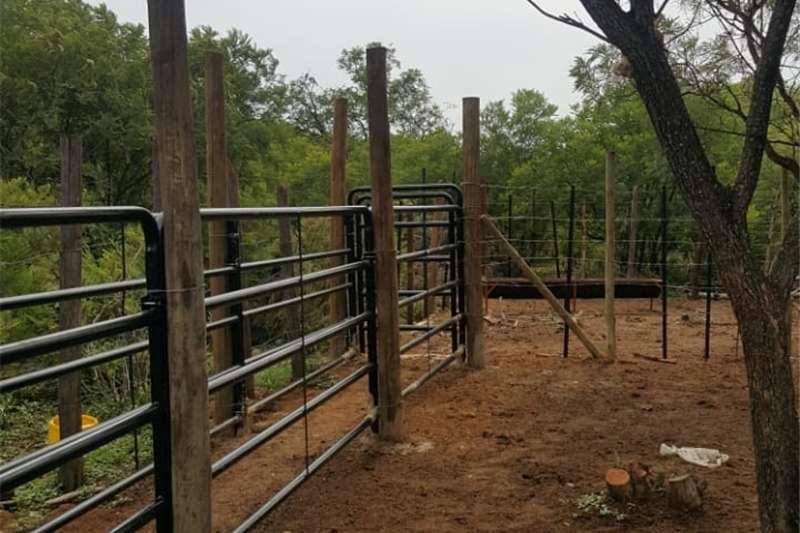 Livestock crushes and equipment Cattle , goats and sheep steel handling equipment Livestock handling equipment