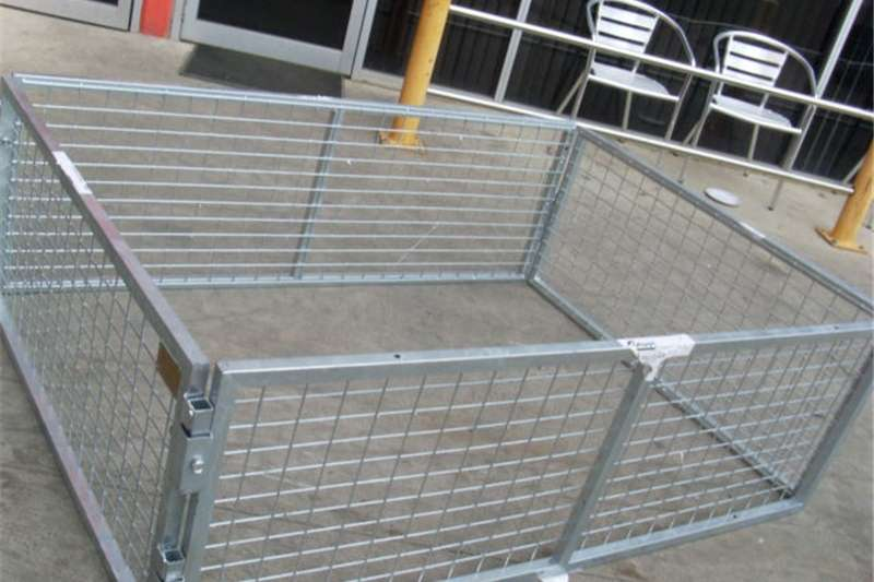 Livestock crushes and equipment Live stock railing Livestock handling equipment