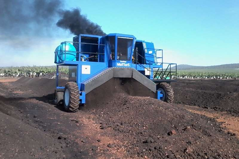 Machinery 4m Windrow compost turner 2017