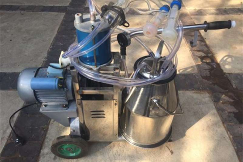 Machinery Farming Excellent  working  condition Milking Machine