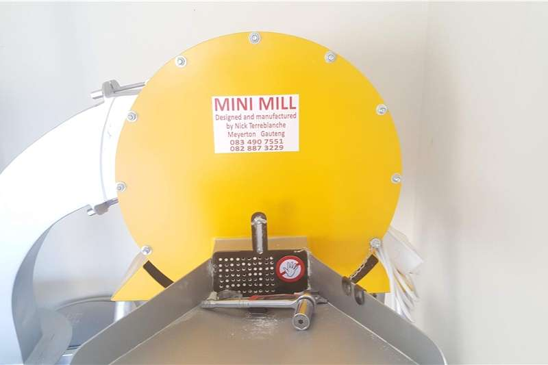 Machinery Farming Gently used Mini Mill for sale