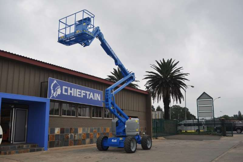 Machinery GENIE Z-45/25J 4WD BOOM LIFT/CHERRY PICKER 2007