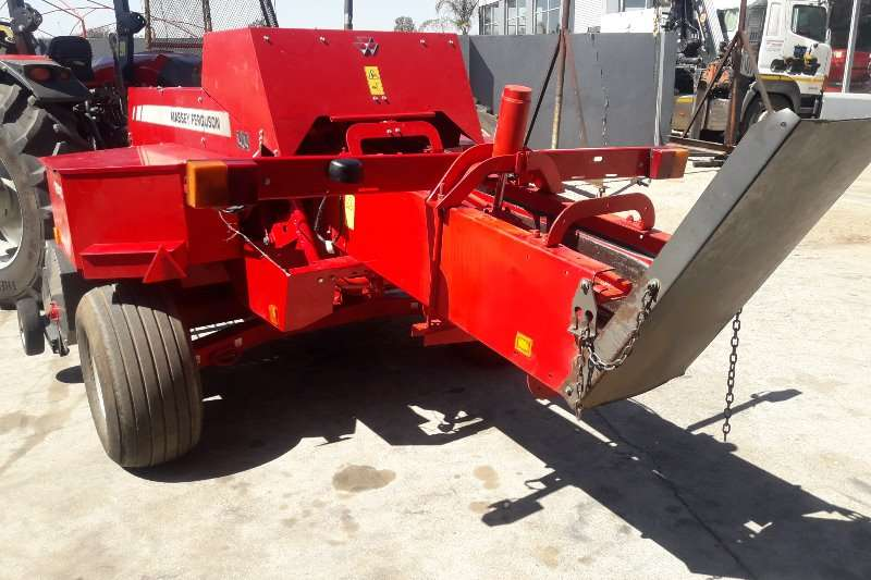 Massey Ferguson Balers 1840 SMALL SQUARE BALER Hay and forage