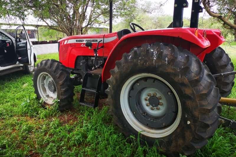 Massey Ferguson Four wheel drive tractors 440 XTRA 4WD Tractors