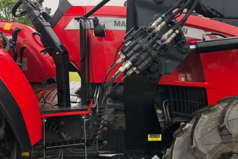 Massey Ferguson Four wheel drive tractors 5709 4wd Power Shuttle Demo with Loader Tractors