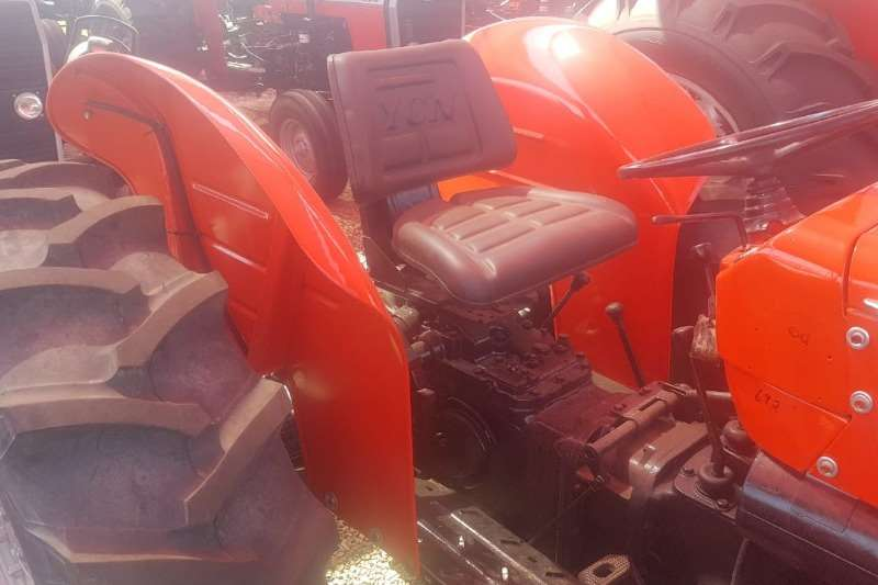 Massey Ferguson Four wheel drive tractors MF 250 4x4 Tractors