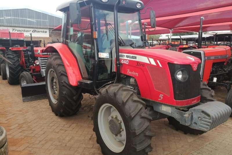 Massey Ferguson Massey Ferguson 440 CAB Tractors