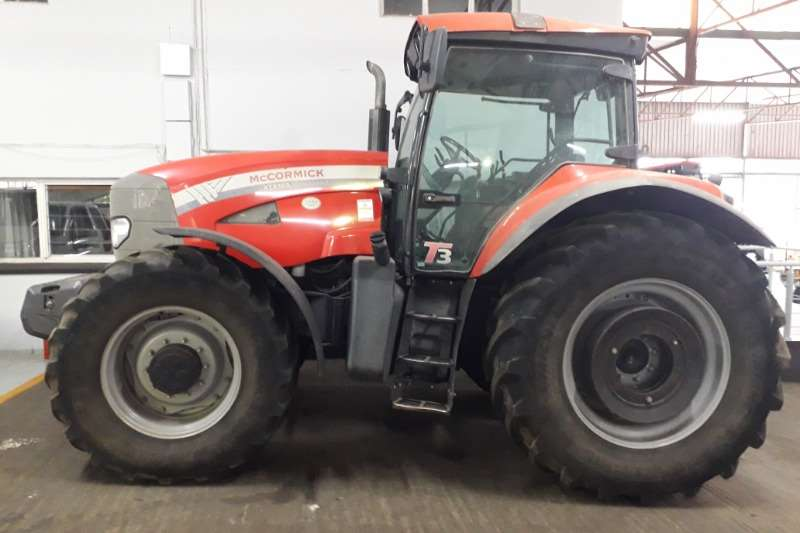 Mccormick Four wheel drive tractors McCormick XTX165 Tractors