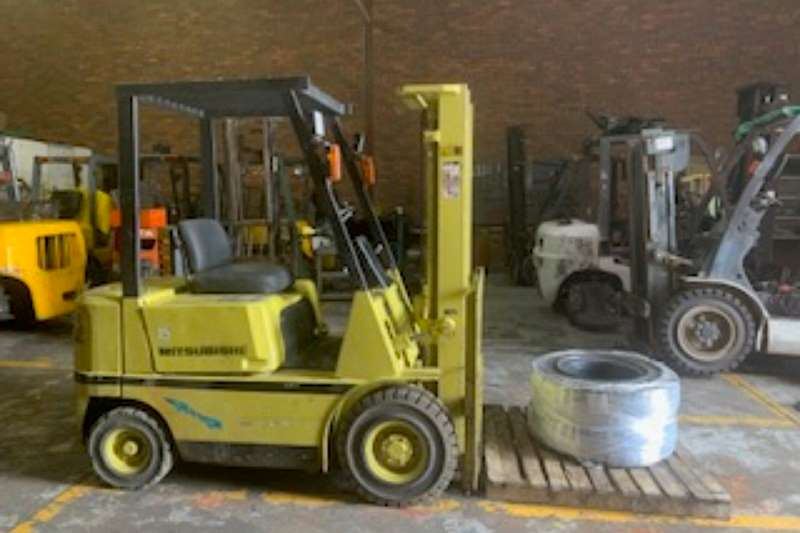 Mitsubishi Forklift MODEL FD15 SERIAL NR M150D8974 1990