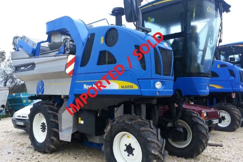 New Holland Combine Harvesters and Harvesting Equipment Grape Harvesters BRAUD VL6050 GRAPE HARVESTER (SOLD)