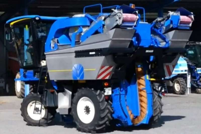New Holland Grape harvesters BRAUD VL6050 GRAPE HARVESTER (SOLD) Combine harvesters and harvesting equipment