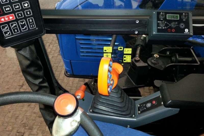 New Holland Grape harvesters BRAUD VL6070 GRAPE HARVESTER (SOLD) Combine harvesters and harvesting equipment