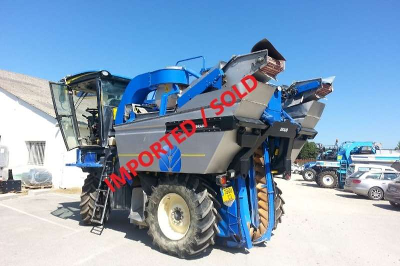 New Holland Combine Harvesters and Harvesting Equipment Grape Harvesters BRAUD VL620 GRAPE HARVESTER (SOLD)