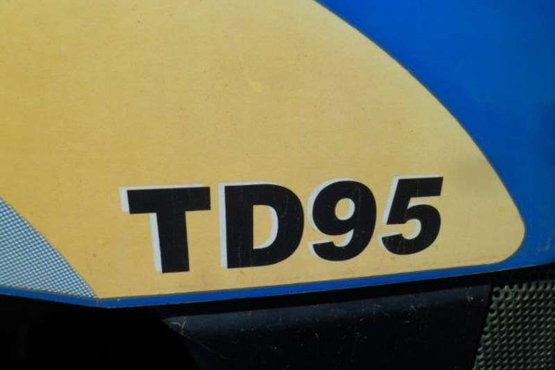 New Holland Compact tractors New Holland TD95 Tractor Tractors