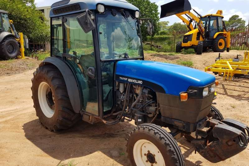 New Holland Compact tractors New Holland TN 70 F Cab Tractors