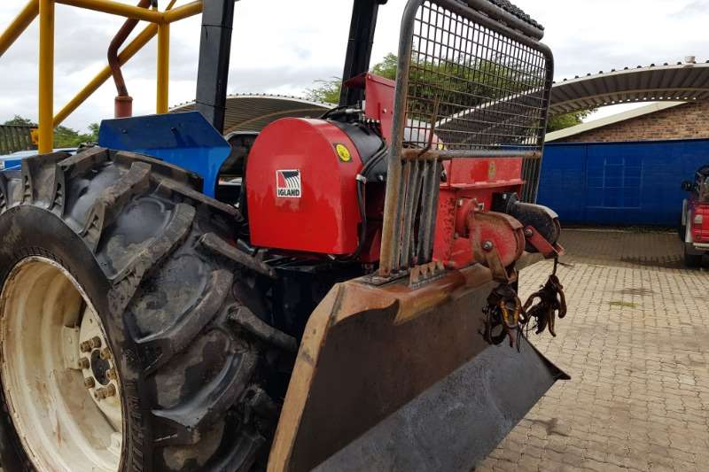New Holland Four wheel drive tractors New Holland 6610 DT With Igland Winch 10 Ton Tractors