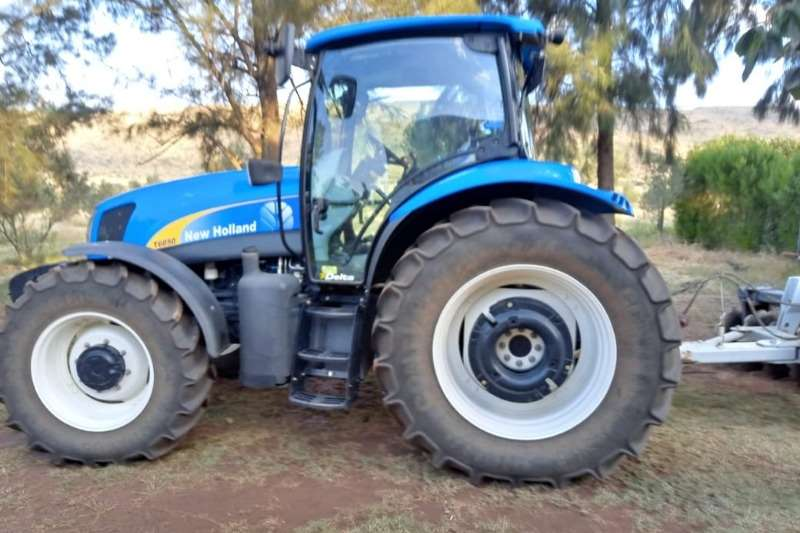 New Holland Four wheel drive tractors New Holland T 6050 Tractors