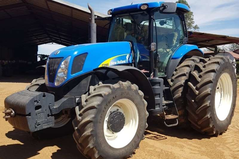 New Holland Four wheel drive tractors New Holland T 7060 Tractors
