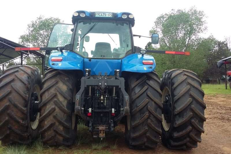New Holland Four wheel drive tractors New Holland T 8.360 Tractors
