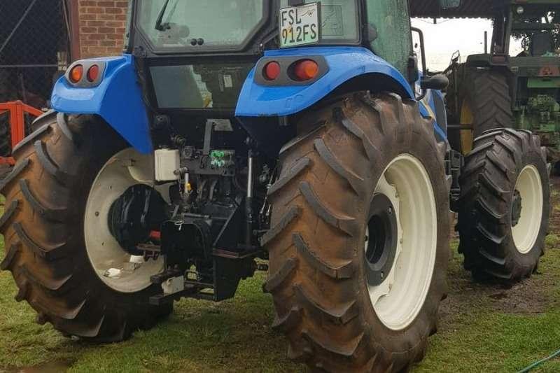 New Holland Four wheel drive tractors New Holland TD5.90 Cab Tractors