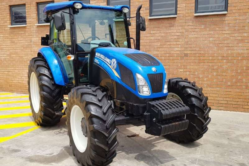 New Holland Tractors Four Wheel Drive Tractors New Holland TD5.90 Cab 2015