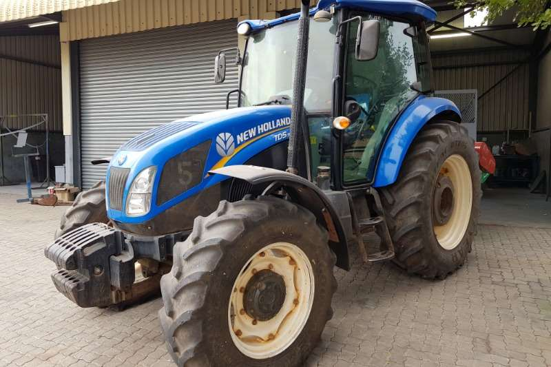 New Holland Tractors Four Wheel Drive Tractors New Holland TD5.90 DT Cab 2014