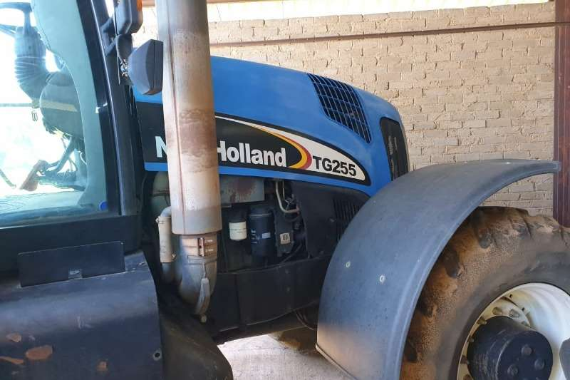 New Holland Four wheel drive tractors New Holland TG 255 Tractors