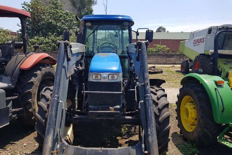 New Holland Four wheel drive tractors T6.120 with loader Tractors