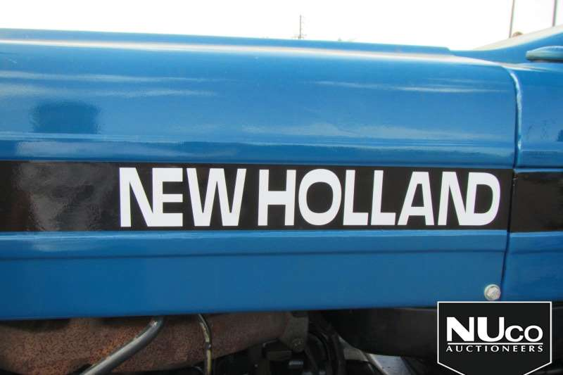 New Holland NEW HOLLAND 6610 TRACTOR Tractors