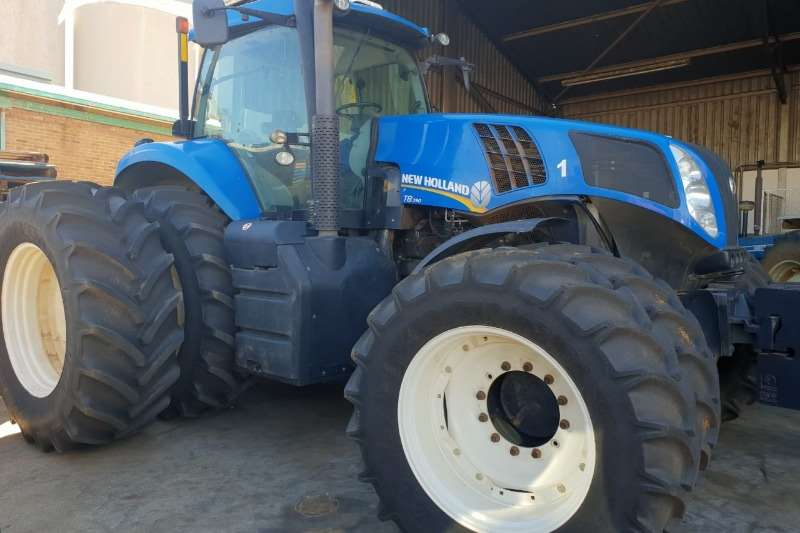 New Holland NEW HOLLAND T8.390   3079 URE Tractors