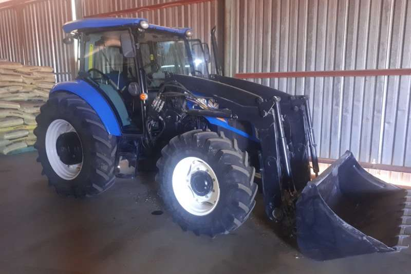 New Holland Tractors NEW HOLLAND TD5-1000DT CAB-LOADER 2014