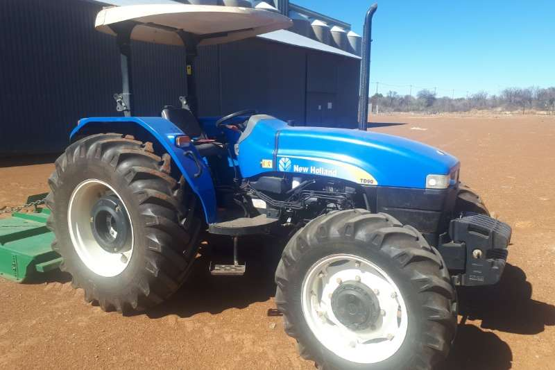 New Holland Tractors NEW HOLLAND TD90 DT 2013