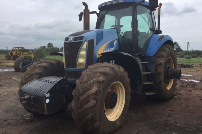 New Holland Tractors T8040 Cab Tractor 2008