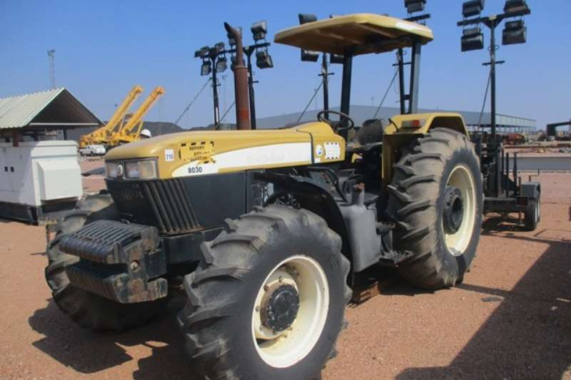 New Holland Tractors Utility Tractors New Holland 8030, 4x4 Tractor
