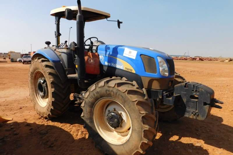 New Holland Tractors Utility Tractors New Holland T6050 Tractor