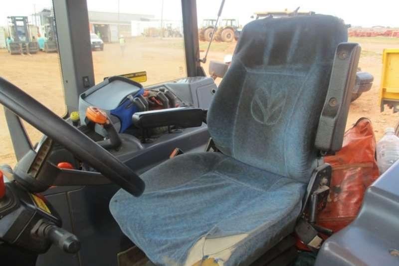 New Holland Utility tractors New Holland TM7030 Tractor Tractors