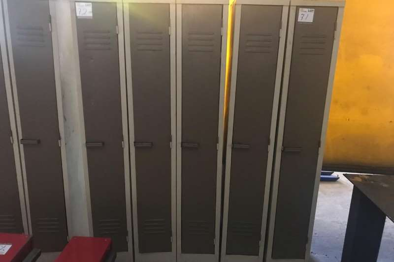 Other 4 X LOCKERS (PER PIECE TO TAKE THE LOT - BID PRICE