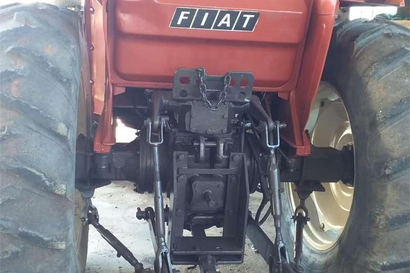 780  Fiat 4x4 met Laaigraaf met nuwe voorbande. Ba Other
