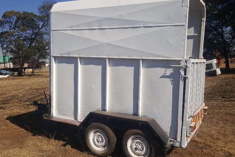 Other Agricultural Trailers Horse Box with papers