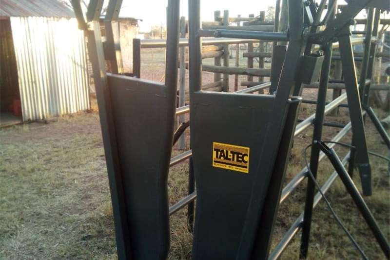Cattle Brand New Brahman neck clamp, Cattle Crush & Guill Other