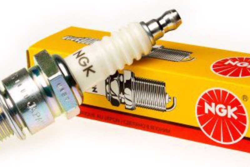 CLEARANCE SALE ON SPARK PLUGS Other