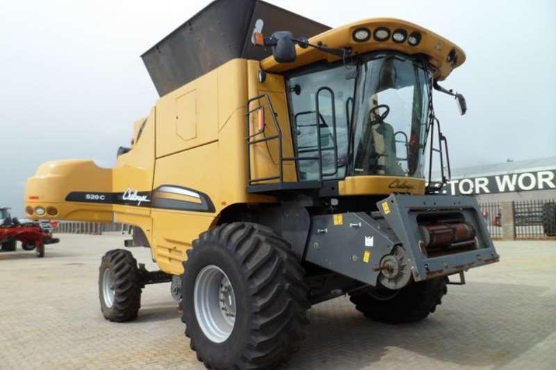 Other Combine Harvesters and Harvesting Equipment Grain Harvesters Caterpillar Challenger 520C Combine Harvester 2012