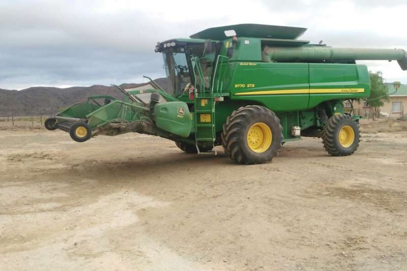 Other Combine Harvesters and Harvesting Equipment JD 9770 2011