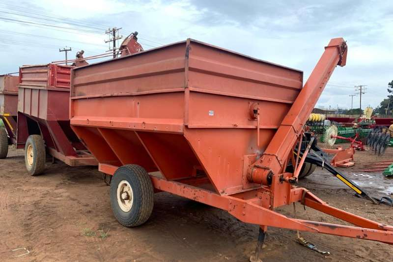 Other Other combine harvesters and harvesting equipment Vetsak 5 Ton Ontlaaiwa in very good condition Combine harvesters and harvesting equipment